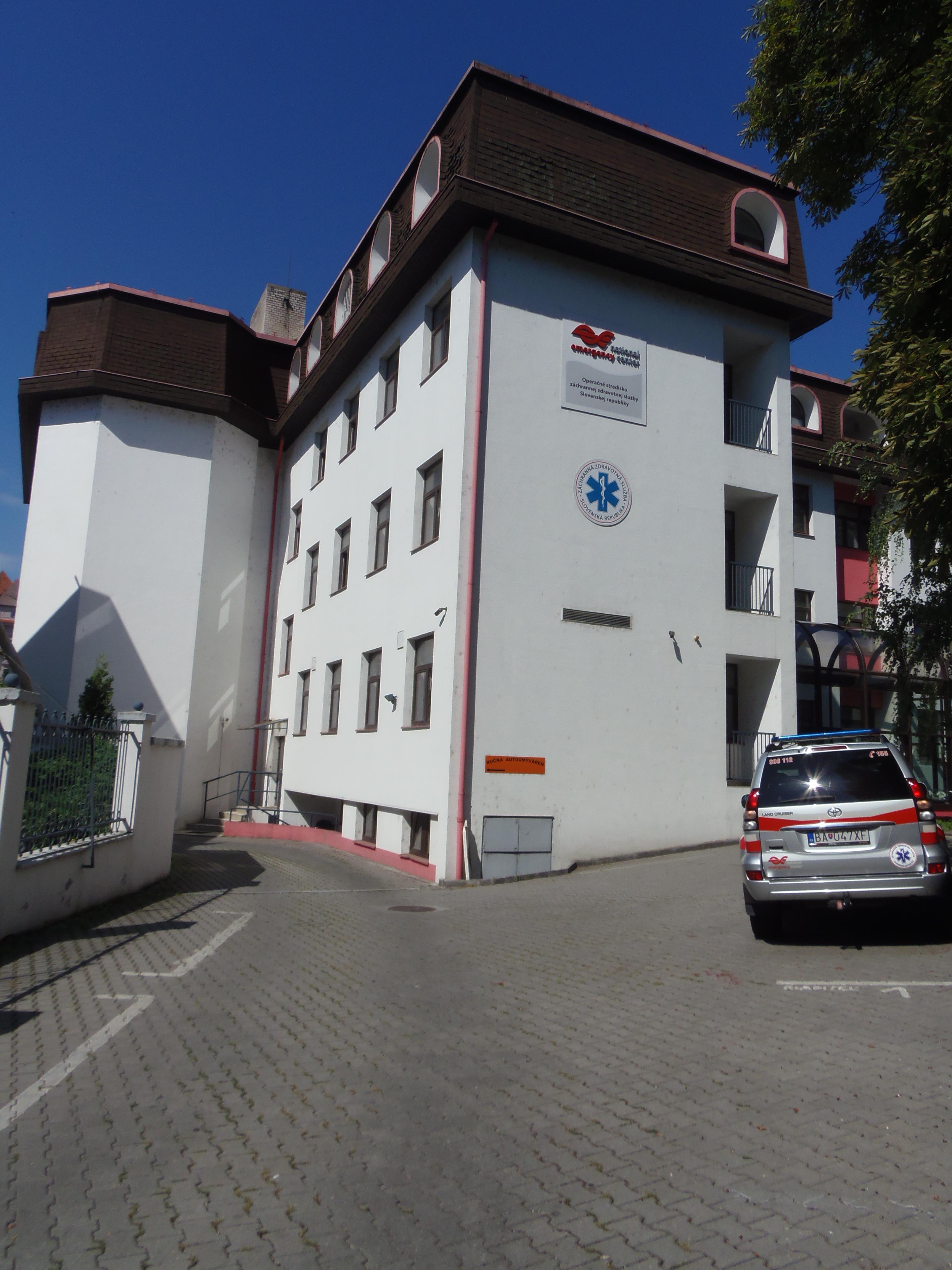 Možnosť parkovania priamo v areály budovy